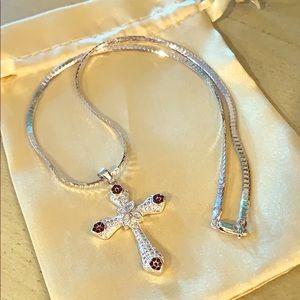 Beautiful Cross Pendant Necklace